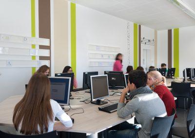 Schule Computerraum Bilderleisten Schreinerei molitors